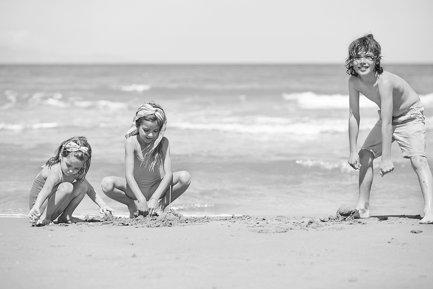 06-Family-Vacations-on-an-Excellent-Long-Sandy-Beach_72dpi