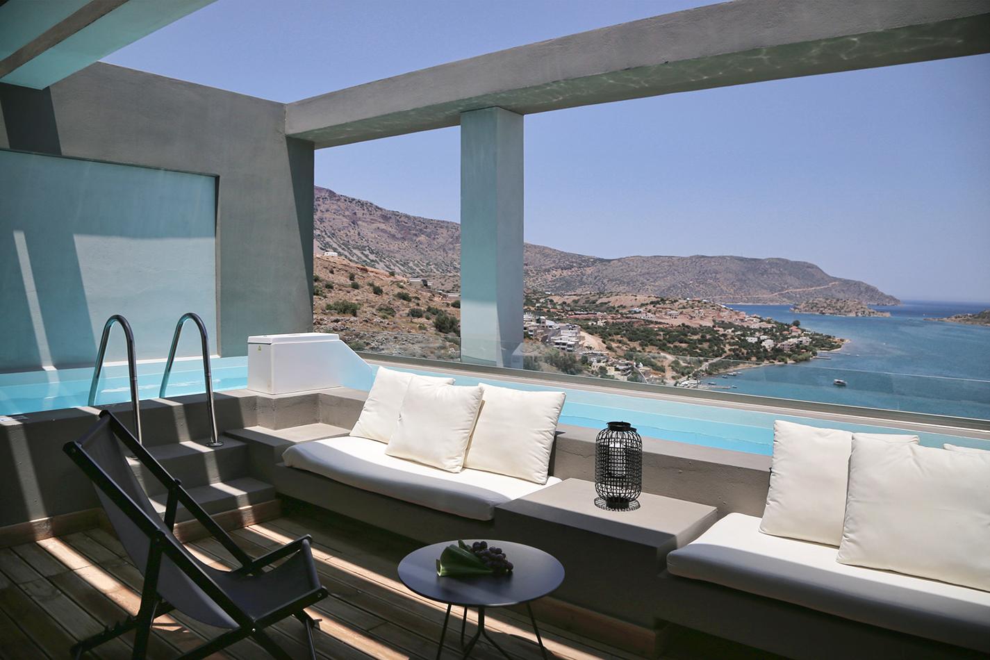 EloundaBlu_Premium Suite SV Private Pool
